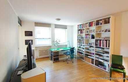 2-Zimmer-Wohnung mit großem Hobbyraum in zentraler Lage von München-Bogenhausen zu verkaufen!