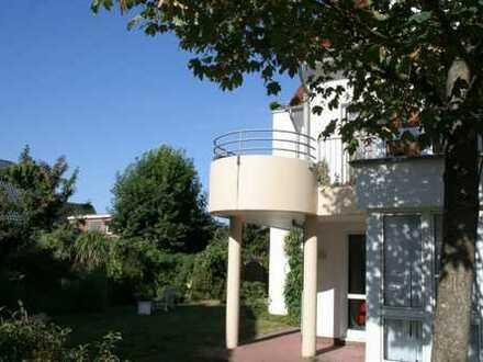 zum 1.3.19! Gemütliche 2-ZKB Wohnung mit Tiefgaragenstellplatz und großem Balkon im Wunderburgpark
