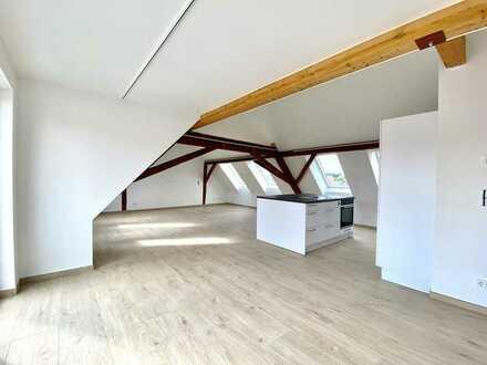 Wohnen im Karree - Landidylle trifft auf Moderne - DG - 2-Zimmerwohnung mit Balkon