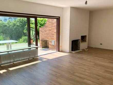Bommersheim - gut geschnittenes gerade renoviertes Reihenendhaus