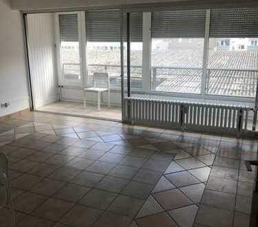 390 €, 34 m², 1 Zimmer