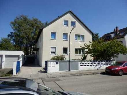 Helle 2-Zi-Wohnung mit Balkon
