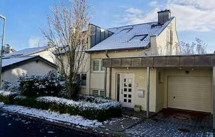 Schönes Familienhaus mit luxuriöser Ausstattung und bestem Blick über das Rhein-Main-Gebiet.