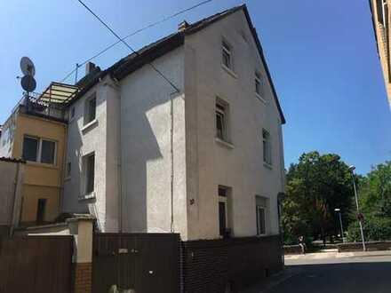 Gepflegtes 3-Familienhaus in ruhiger Lage von Rheingönheim
