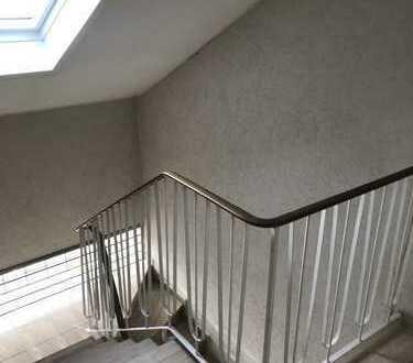 1-Zimmer DG-Wohnung in ruhiger Lage in Brühl Badorf