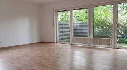 geräumige 3- Zimmererdgeschosswohnung mit Garage in gepflegtem Mehrparteienhaus