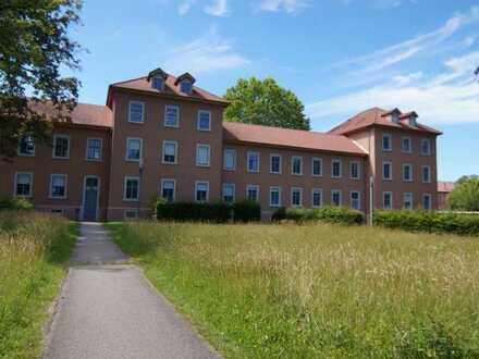 RESERVIERT:::Hübsche 3-Zi.-ETW in historischem Gebäude inkl. Garage u. Stellplatz:::