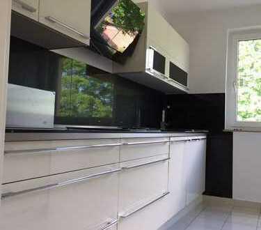 Vollständig renovierte 4,5-Zimmer-Wohnung mit Einbauküche in Essen