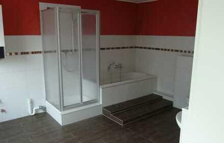 Große renovierte helle Wohnung mit Balkon, 120 qm, TOP Energiewerte