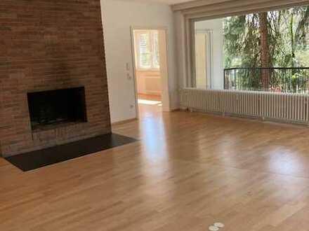 renovierte 4 Zimmer-Wohnung in bester Wohnanlage von Dreieich-Buchschlag