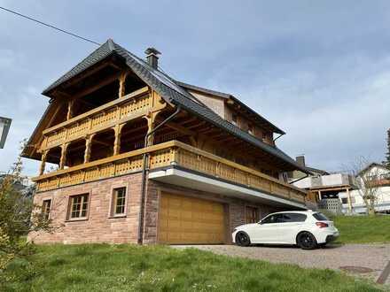 Geräumiges und neuwertiges Haus mit sechs Zimmern in Schramberg-Waldmössingen