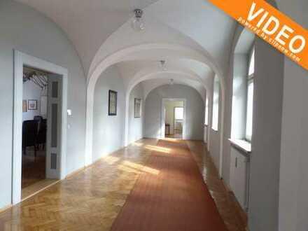 Ideale Büro- und Geschäftsräume für Architekten, Arztpraxen, Rechtsanwalts- u Steuerkanzleien etc.