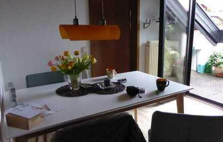 Schöne ruhige drei ZimmerDG- Wohnung in Ludwigsburg (Kreis), Freiberg am Neckar