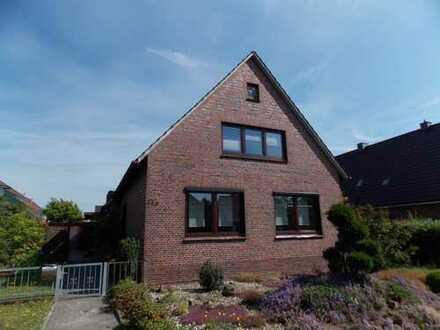 Ein-/Zweifamilienhaus mit Garagen in Rhauderfehn, www.deWeerdt.de
