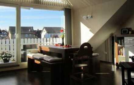 Schicke 3-Zimmer-Wohnung im Dachgeschoss eines 3 Familienhauses in 52477 Alsdorf