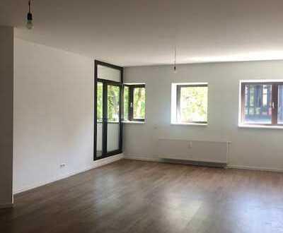 Großzügige 2-Raum Wohnung mit Loggia