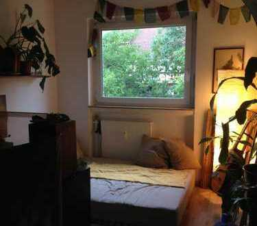12 Quadratmeter Zimmer in netter 3er WG (Zwischenmiete)