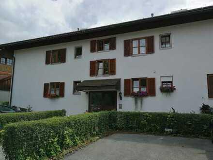 Zentrumsnahe schöne zwei Zimmer Wohnung in Weilheim mit Gartenblick