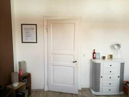 Zentrale freundliche 4,5-Zimmer- Altbau Erdgeschosswohnung mit Gartenmitbenutzung und EBK in Leer
