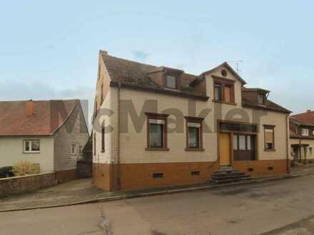 Raum für Ihre individuellen Wohnideen: Großes Grundstück mit Altbestand nahe Kaiserslautern