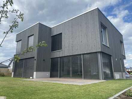 Geräumiges und neuwertiges 5-Zimmer-Haus mit luxuriöser Innenausstattung in Gelnhausen-Meerholz.