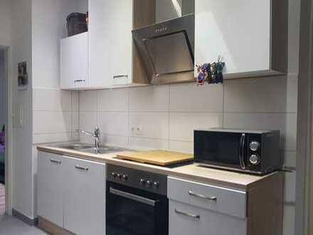 Ruhige Dachgeschosswohnung mit Einbauküche in Mainaschaff!