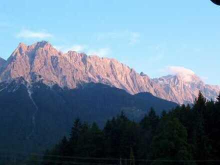 Winter & Sommerfrische und Bergblicke auf dem sonnigen großen Balkon…