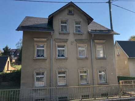Dreifamilienhaus in Auerswalde - zum Um und Ausbauen
