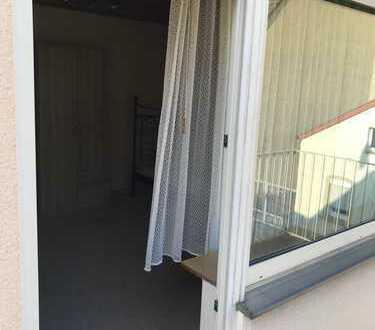 möbeliertes Zimmer mit Balkon in Ludwigshafen Mundenheim in 3er WG