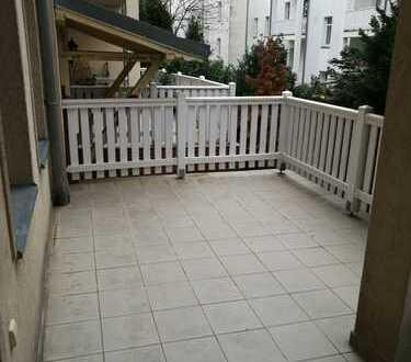 Single-Wohnung mit riesiger Terrasse