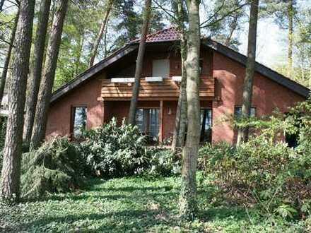 Exklusives Wohnhaus mit Einliegerwohung in Bahrenborstel-Kirchdorf......