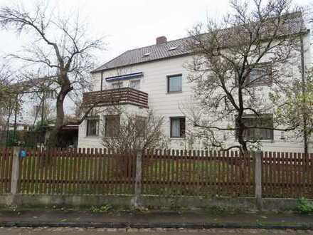 Großzügiges Einfamilienhaus mit ELW auf grünem Grund in Augsburg Spickel