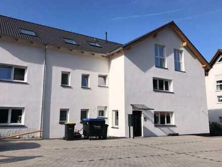 Moderne, 2019 vollsanierte 3-ZKB-Wohnung zu vermieten !!