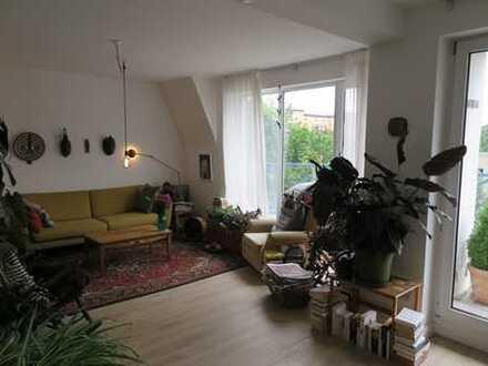 Sehr helle und ruhige 4 Zi-Maisonette-Wohnung in zentraler Lage