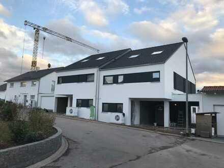 Neues grosses Architketenhaus 5,5 Zimmer in Pforzheim, Huchenfeld