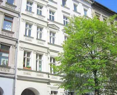 Frisch renovierte Wohnung mit neuen Möbeln in begehrter Wohnlage am Bergmannkiez