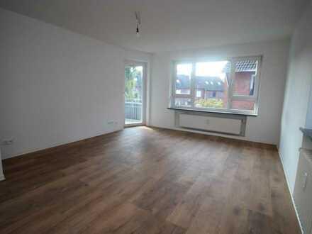 VAREL , RENOVIERTE 4 Zimmer mit Balkon, Amselstraße 14 I.OG rechts