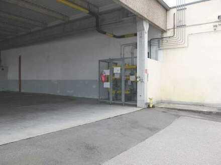 22_VH3539 Gewerbeanwesen mit mehreren Hallen, Bürotrakt und großer Freifläche / Schwandorf