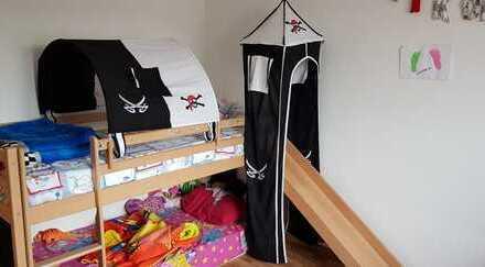 Gepflegte 3-Zimmer-Dachgeschosswohnung mit Einbauküche in Schömberg