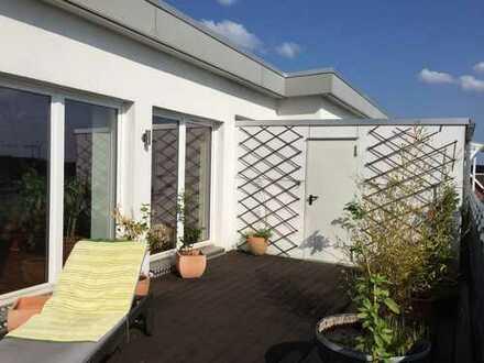 Traumhafte Dachgeschoßwohnung mit sonniger 30 qm Dachterrasse