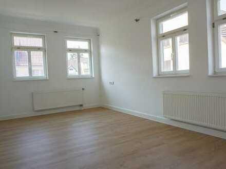 Geräumige 4-Zimmerwohnung mit EBK und 2 Bädern