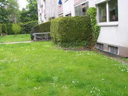 Im grünen Wohnen mit Balkon