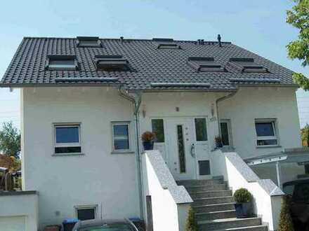 Gehobene Doppelhaushälfte in ruhiger Lage