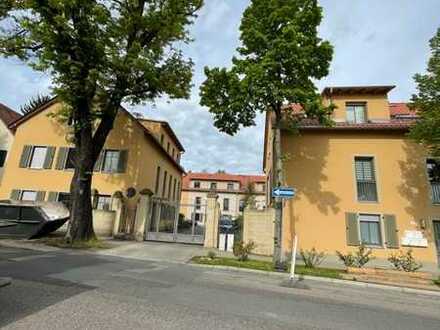 Schönes, geräumiges 5-Zimmer-Reiheneckhaus auf 3 Etagen mit Terrasse und Garten