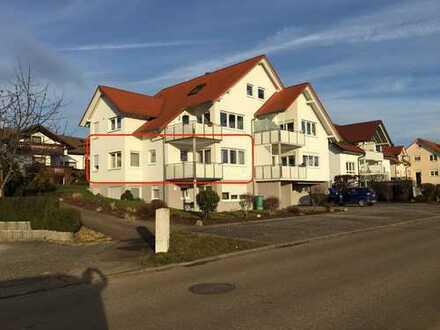 Gepflegte 3,5-Zimmer-EG-Wohnung mit Balkon und Einbauküche in Bopfingen