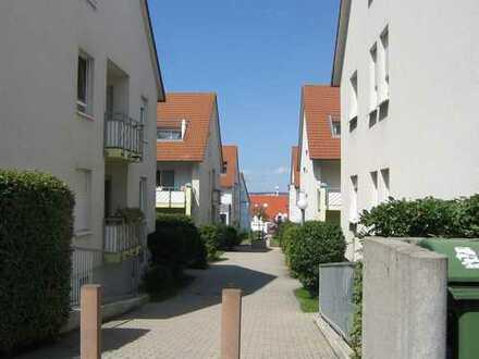 ASPERG: 2,5-ZW mit offener Küche, Wannenbad und Terrasse/Gärtle