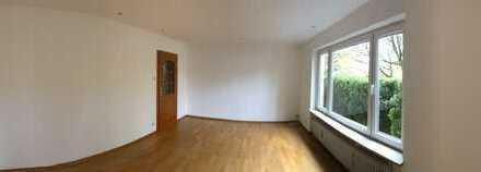 Stilvolle, modernisierte 3-Zimmer-Wohnung mit Terrasse und Einbauküche in Laim, München