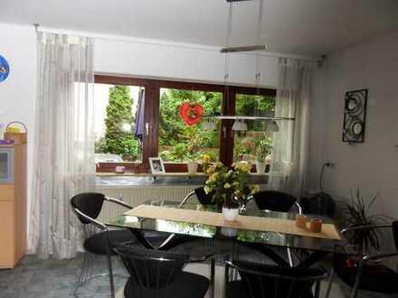 Schöne ELW-Wohnung mit Terrasse, Bad, Einbauküche inkl. Geschirrspüler