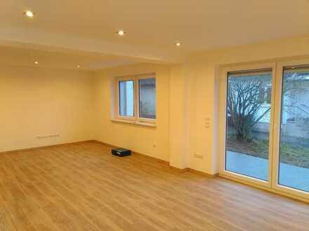 Erstbezug nach Sanierung: schöne 3-Zimmer-EG-Wohnung mit Terrasse in Krumbach, ruhige Lage