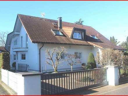 Einfamilienhaus der besonderen Art in Jestetten
